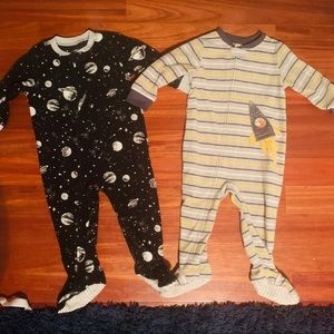 2 Two Carter's soft footie pajamas size 18 month